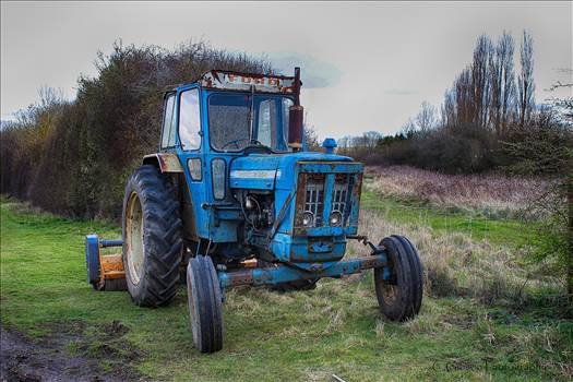 Ford Tractor.jpg - undefined