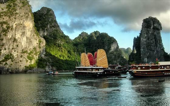 Small Group Tours Vietnam by tripsatasia