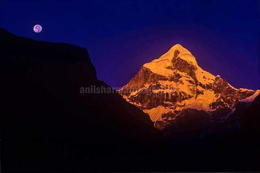 Nature-  Neelkanth Peak by Anil Sharma Photography