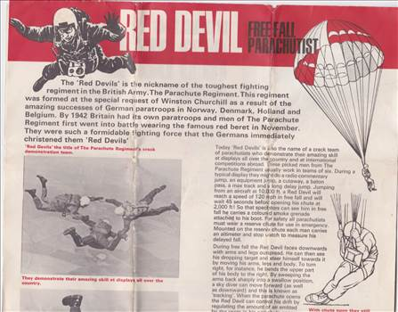 Red devil leaflet.jpg by Ian Shaw