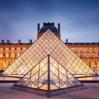 Louvre.jpg -