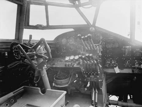 handley-page-halifax-cockpit-1569155.jpg by adey m