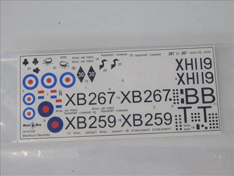 BeverleyinteriorAirfixboxes 019.JPG by adey m