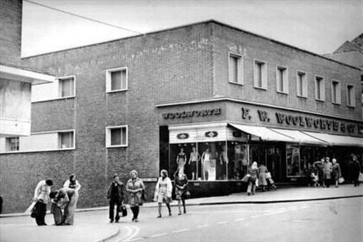 0_scarborough-woolworths-1970s.jpg by adey m